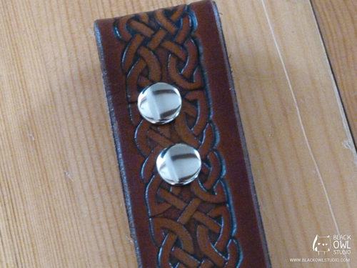 Belt push-buttons