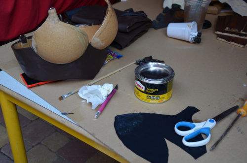Glueing fake leather with neoprene