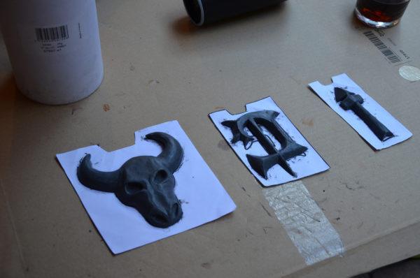 Plastiline emblems
