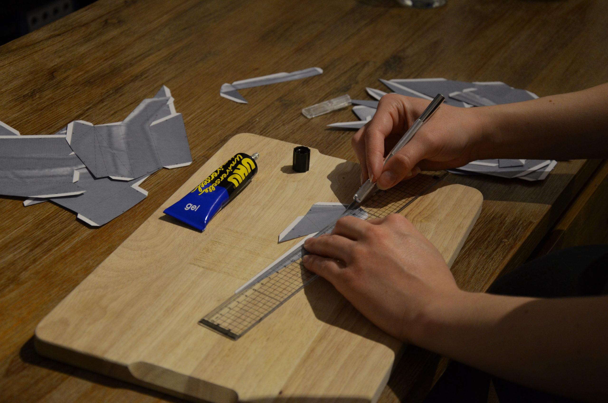 pepakura cosplay glue