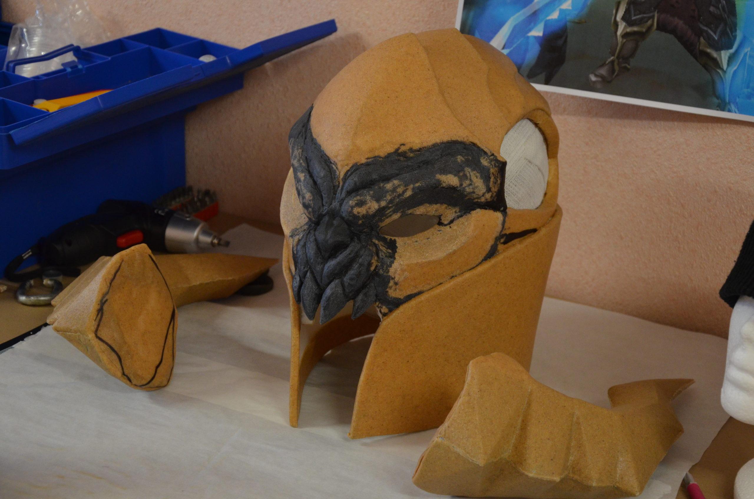 casque worbla black sculpture