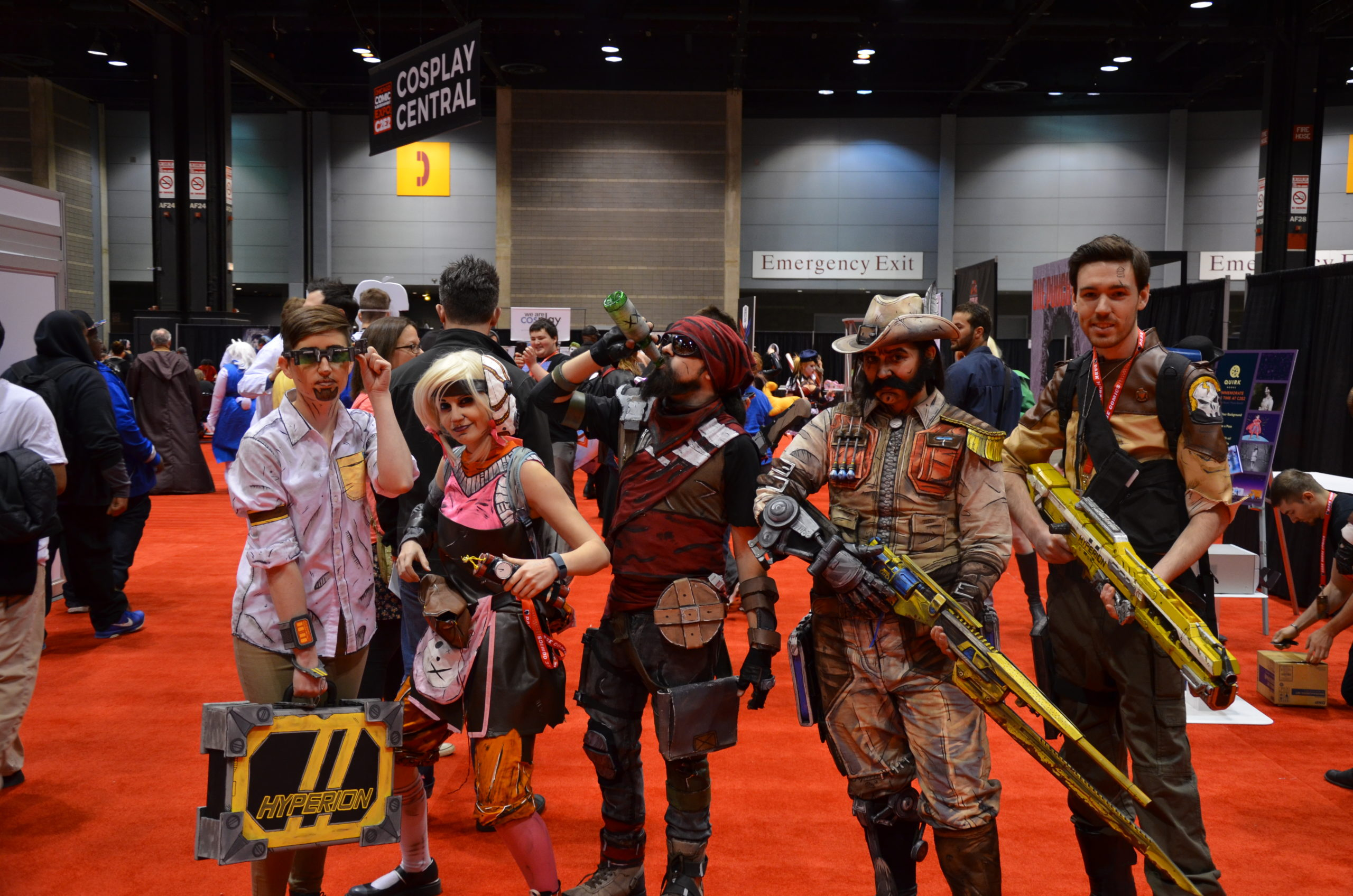 Groupe Borderlands avec Ginoza Costuming and more